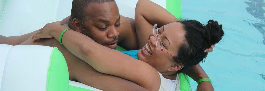 pool_couple_slide